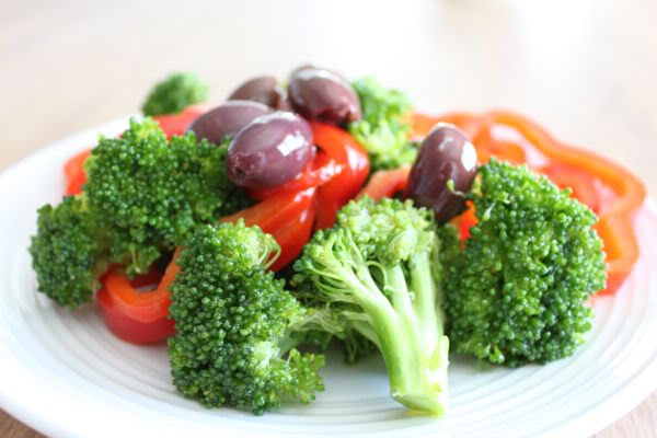 Garlic Marinated Broccoli with Olives and Red Pepper